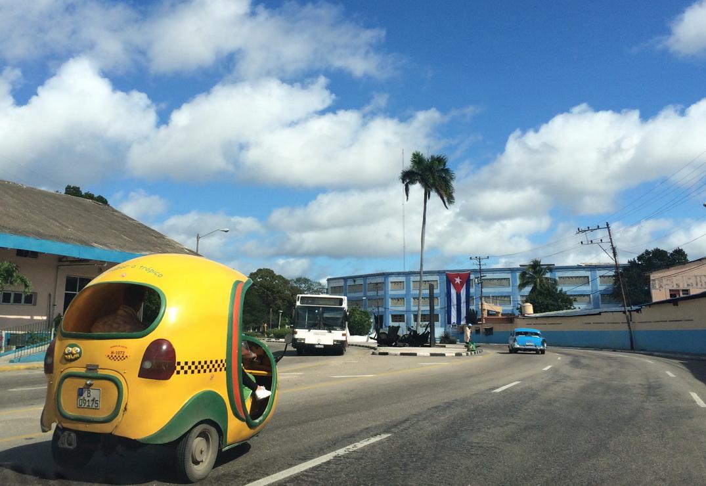 Havana_cabs_2